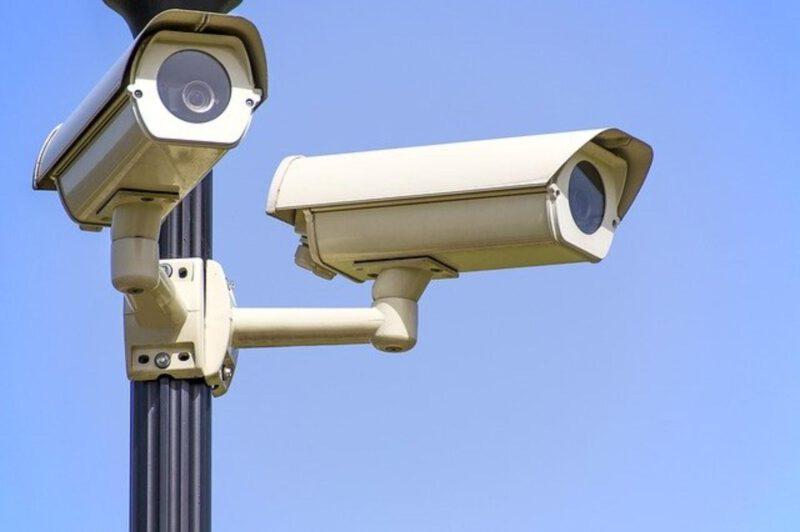Na co dokładnie trzeba zwrócić uwagę wybierając kamery przemysłowe?